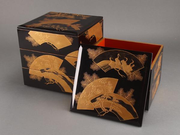 【流】木製漆器 黒塗扇面蒔絵五段重箱 箱付 CX878