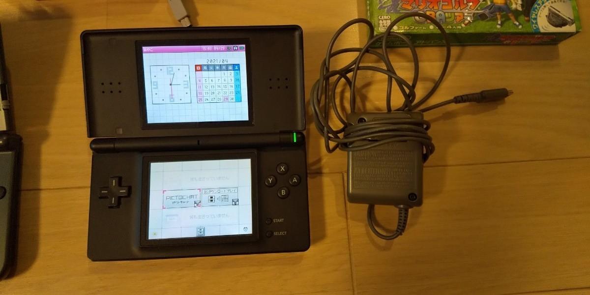 Newニンテンドー3DS LL メタリックブラック+DSライト ソフト付き