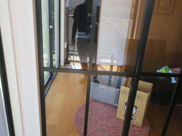 23894■室内用 ガラススライドドア 1枚組 W865×H2665 上部レール付き■展示品/取り外し品/未使用品_画像3