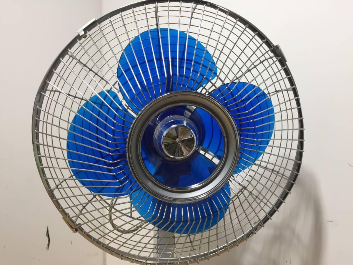 ◆TOSHIBA 東芝◆DF-30A 東芝扇風機 扇風機 青羽根 4枚羽根 卓上 羽根径30㎝ 昭和 レトロ アンティーク【中古/現状品/通電確認OK】_画像2