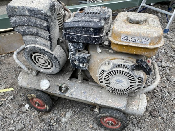 エンジンコンプレッサー 清和産業SEIWA スバル製4PSエンジン SC-15GRS難ありジャンク品