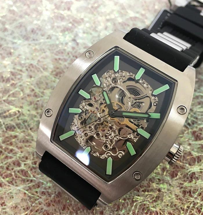 送料・代引手数料無料 アルカフトゥーラ ArcaFutura 腕時計 メンズウォッチ 978LE ルミノバで夜見える文字盤 トノー型 スケルトン 自動巻_画像1