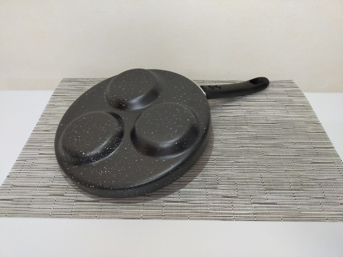 ガス火専用 三食フライパン 3穴目玉焼きトリプルフライパン22cm