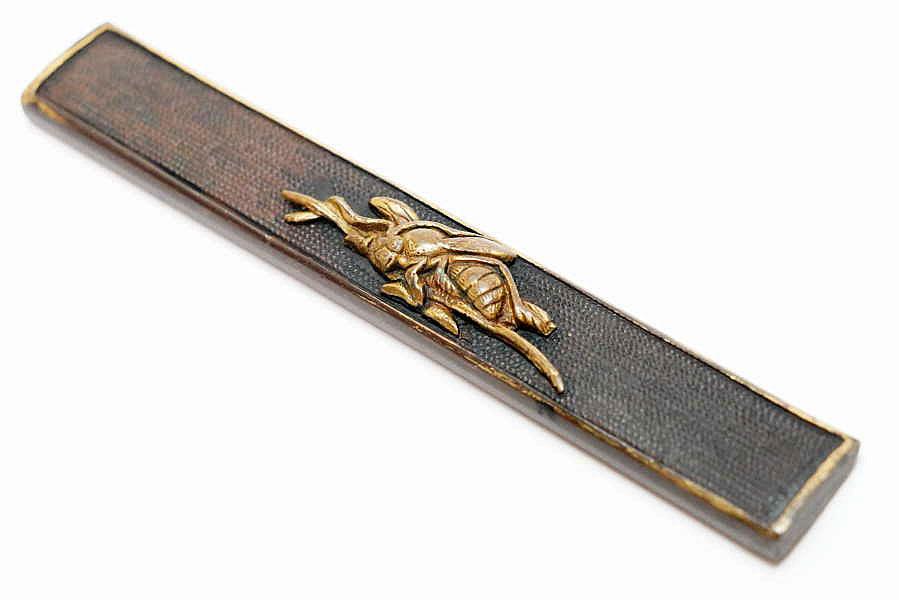 赤銅魚子地蜂図小柄   刀装具 太刀 拵 鍔 小柄笄 目貫_画像4