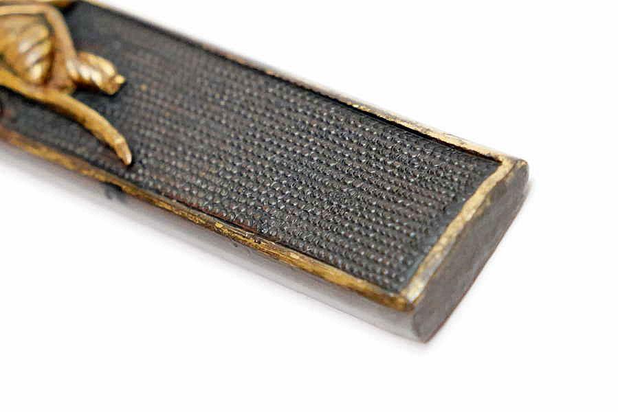赤銅魚子地蜂図小柄   刀装具 太刀 拵 鍔 小柄笄 目貫_画像8