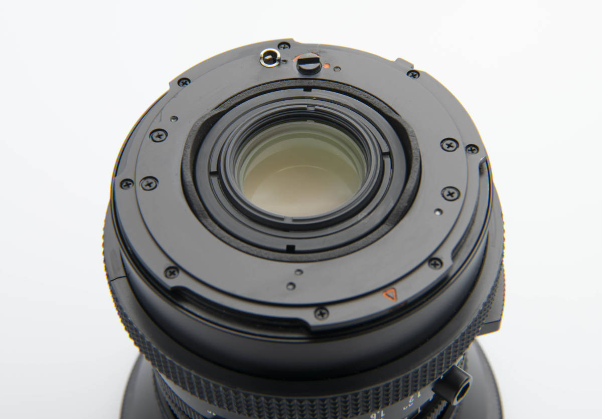 Hasselblad ハッセルブラッド Zeiss Distagon 40mm F4 FLE T*LENS MADE in WEST GERMANY ジャンク扱い 一円スタートで。 _後ろ玉目立つ傷ありません。