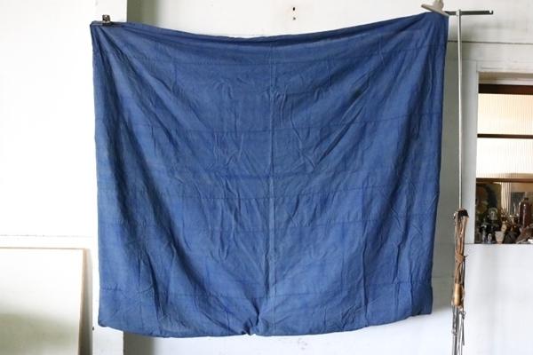 TB526藍染 木綿製 古布 189×153cm◇ボロ/布団皮/カバー/襤褸/裁縫/和裁/リメイク/素材/布地/被服/敷物/掛物/継接ぎ/古道具タグボート_画像1