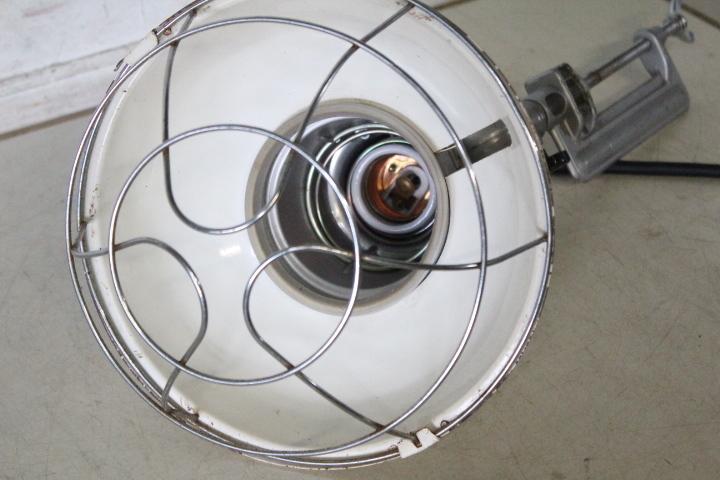 TB526工業系 スポットライト 投光器 点灯確認済み◇照明/ランプ/工事現場/作業用/業務用/クランプ/大工道具/古道具タグボート_画像8