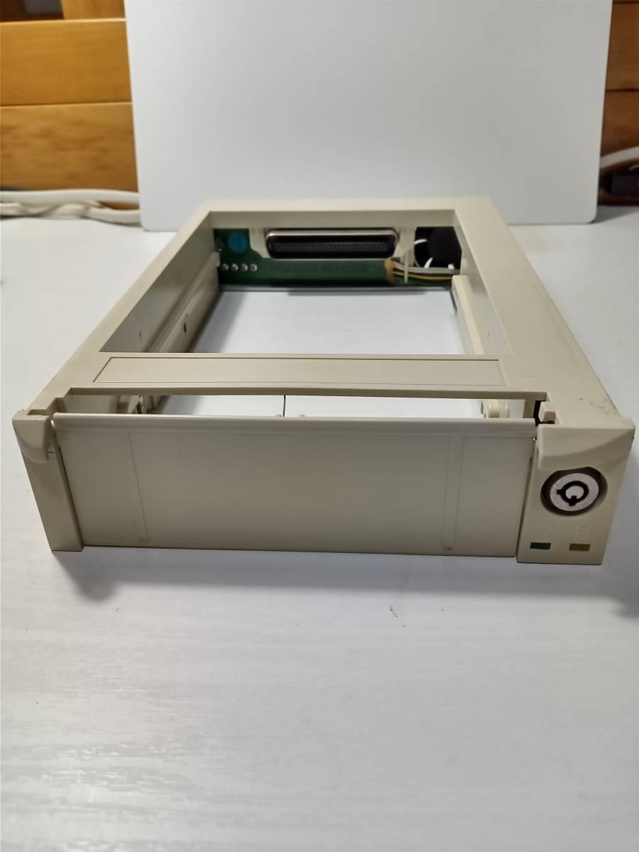 HDD IDE ハードディスク リムーバブルケース 白 オウルテック モービルラックプロ Owltech Mobile Rack PRO OWL-MRS27A-UAE/133