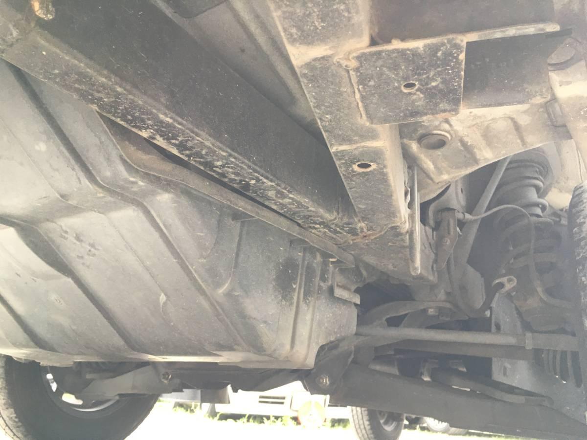 「サンバー トラック 5速MT スーパーチャージャー 4WD切替式 ホワイト」の画像2