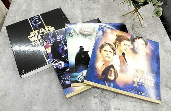 パイオニアLDC 株式会社 STARWARS TRILOGY/スターウォーズトリロジー レーザーディスク6枚組 白(C-3PO)&黒(ダースベイダー)のBOX LD_画像1
