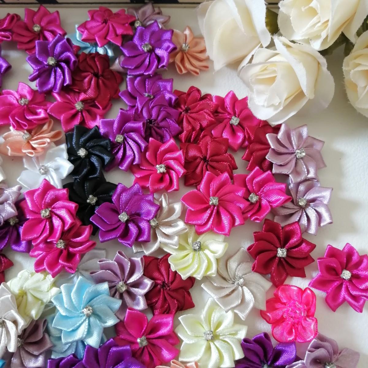 ハンドメイド ワッペン   刺繍 綺麗なワッベン 手作り 花モチーフ 石あり 1