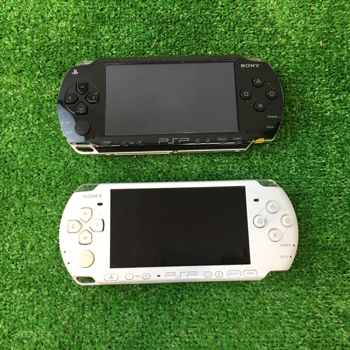 △PSP SONY 本体 ホワイト PSP3000 ブラック PSP1000 ジャンク 2台 まとめ