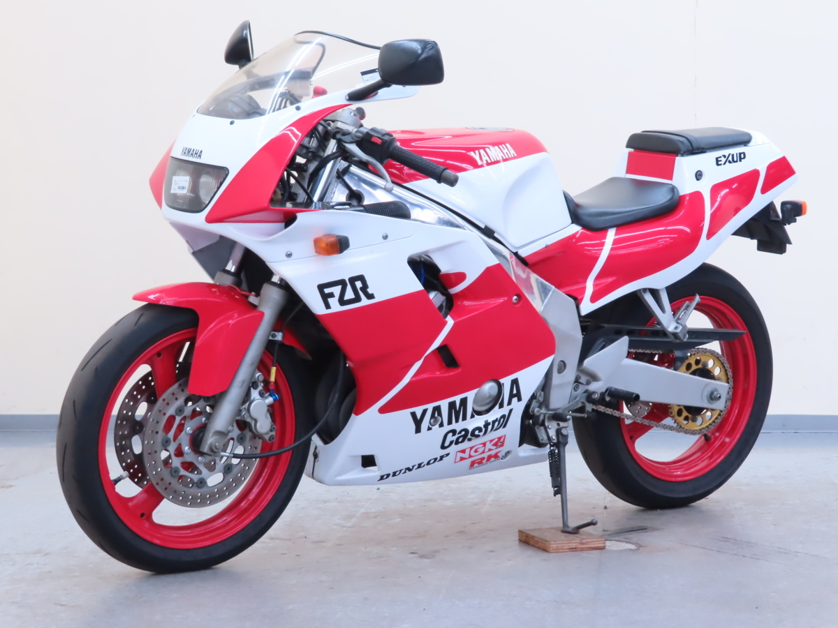 「特別出品!! ヤマハ FZR250R 【動画有】ローン可 3LN 250cc ダブルディスク マフラー改 フルカウル FZR YAMAHA 売り切り」の画像3