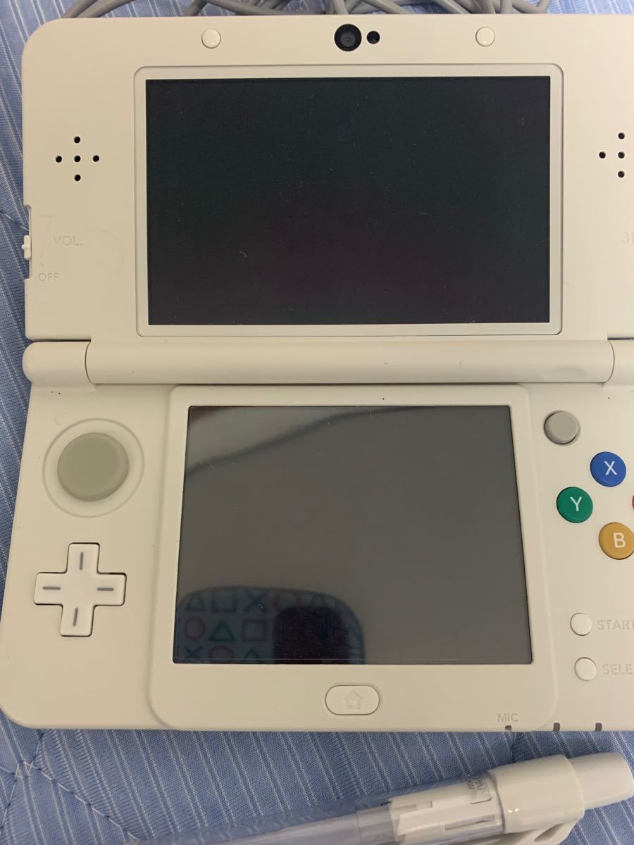 new NINTENDO 3DS タッチペン充電器つき Newニンテンドー3DS ホワイト