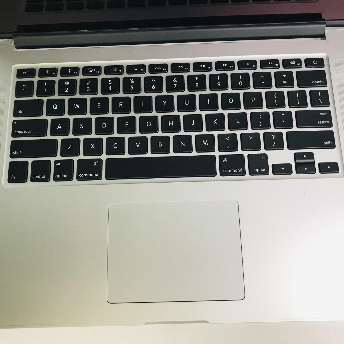 ジャンク MacBook Pro Retina 15インチ(Mid 2012) Core i7 2.3GHz/8GB MC975J/A_画像2