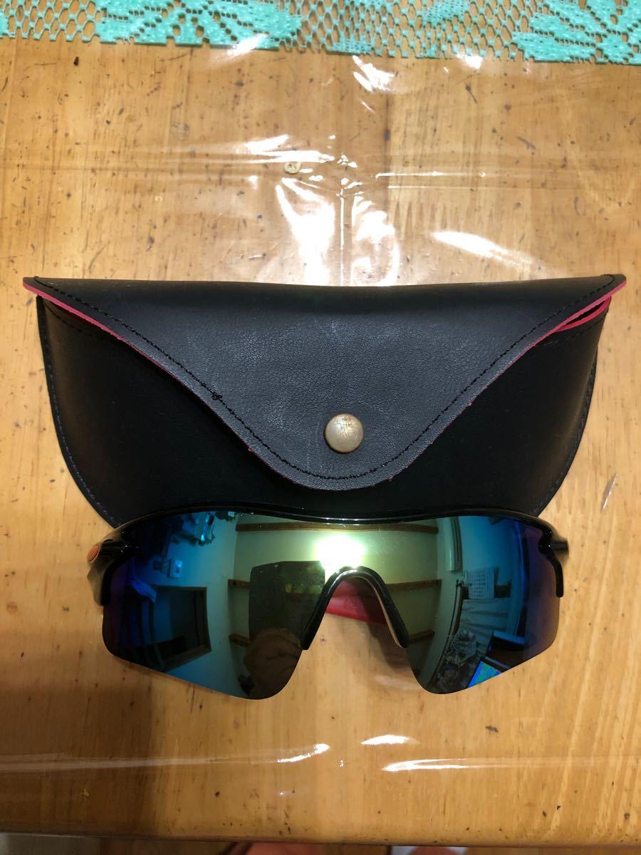 スポーツサングラス(黒)ケース付き 新品