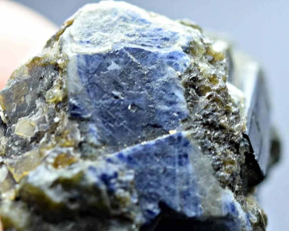 サファイヤ 緑簾石 エピドート 天然石 結晶 原石 標本 母岩付き アフガニスタン産 138.35ct e-3_画像4