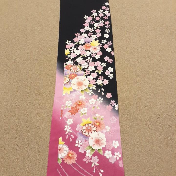 正絹 60701 黒色 ピンク色 花柄 ぼかし シルク350cm はぎれ ハギレ リメイク ハンドメイド