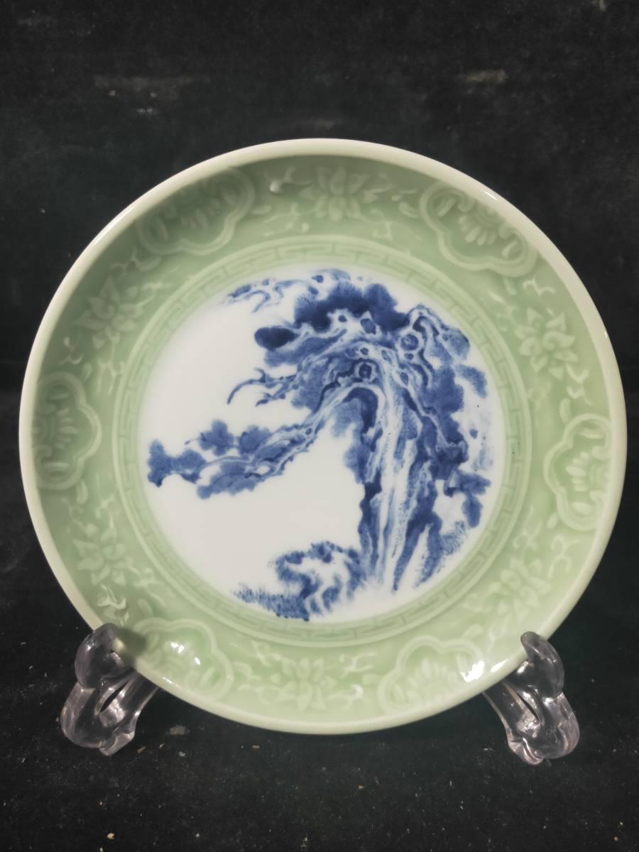 中国陶瓷器 青花磁 景徳鎮 青い花を彫って皿を作る 染付 置物 陶磁器 直径18cm DW031