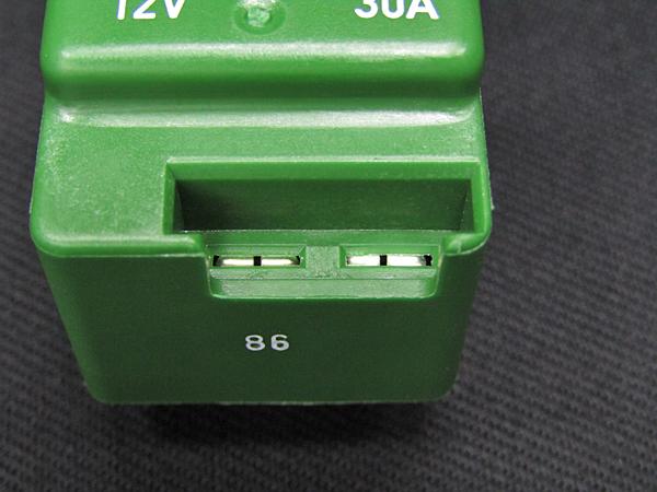 ■セール ベンツ純正品 フューエルポンプ・電動ファンリレー 4ピン緑色 30A(A0015429619)_画像8