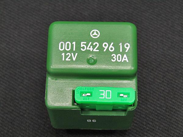 ■セール ベンツ純正品 フューエルポンプ・電動ファンリレー 4ピン緑色 30A(A0015429619)_画像7