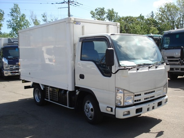 「エルフ 2トン冷蔵冷凍車」の画像1