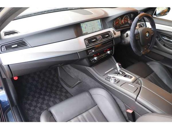 「M5 4.4 黒革 SR アイバッハサス 禁煙車」の画像3
