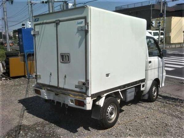 「ハイゼットトラック 冷蔵冷凍車 デンソー冷蔵冷凍車 -7℃ タイベル交換済AT」の画像2