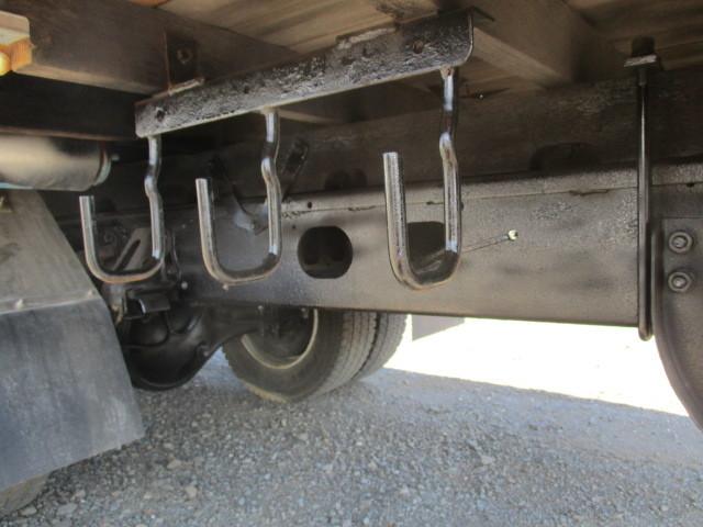 イスズ フォワード 4段クレーン アルミブロック 4WD ラジコン付・フックイン 増トン車(大型免許)_リヤ シャーシ