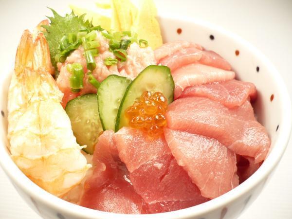 1【Max】訳あり バチマグロの切り身!海鮮丼に最高です! 1円_盛り付だけで簡単に海鮮丼を楽しめます
