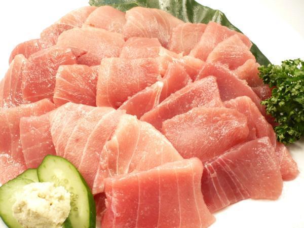 1【Max】訳あり バチマグロの切り身!海鮮丼に最高です! 1円_バチマグロの訳ありスライス500gです