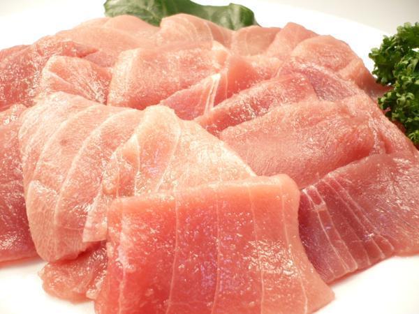 1【Max】訳あり バチマグロの切り身!海鮮丼に最高です! 1円_たっぷり500g入ってお買い得なんです