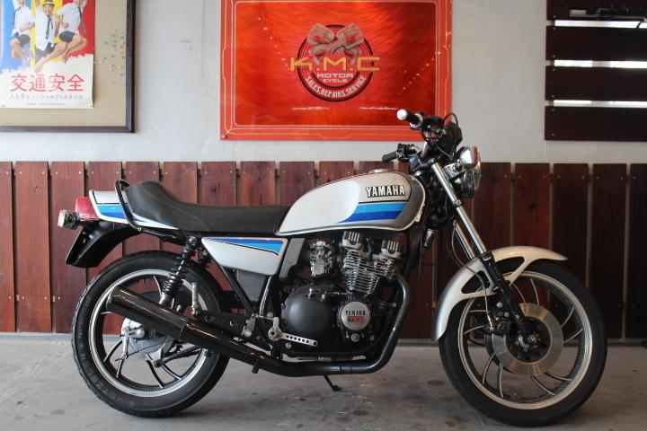「1980年モデル ヤマハ XJ550 外装ニューペイント 新規3年お付けできます」の画像1