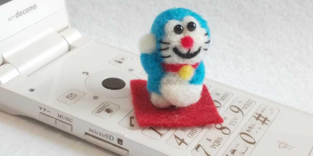 羊毛フェルト ハンドメイド ミニチュア ミニミニ 招き猫型ロボット_画像3