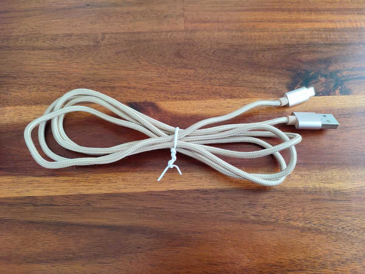 USBケーブル microUSB type-a 充電ケーブル 140cm ゴールドカラー CABLE _画像1