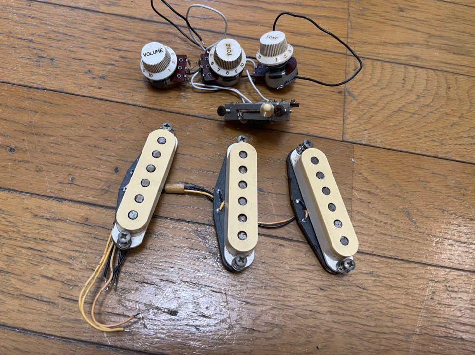 Fender JAPAN 82年製 JVシリアル ST57搭載ピックアップ 日本製 ストラト stratocaster