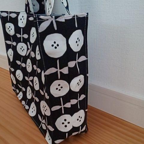 ハンドメイド トートバッグ ミハンドバッグ 花柄 紙袋風 黒