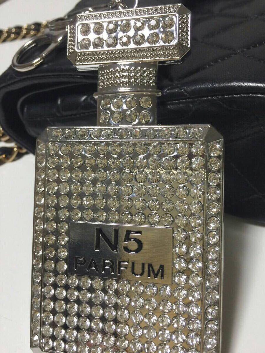 新品◆キーホルダー◆バッグチャーム キーリング付 香水瓶 パフューム ボトル No5 シルバー キラキラ カワイイ