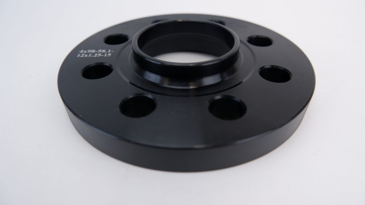 wide-tread spacer hub one body thickness 15mm PCD98 4 hole hub diameter φ58.1 M12×P1.25 taper bearing surface bolt attaching FIAT New Panda Punto