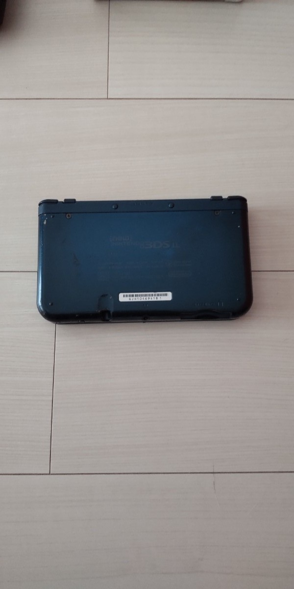 Newニンテンドー3DS LL 任天堂 Nintendo メタリックブルー 充電器+付属品