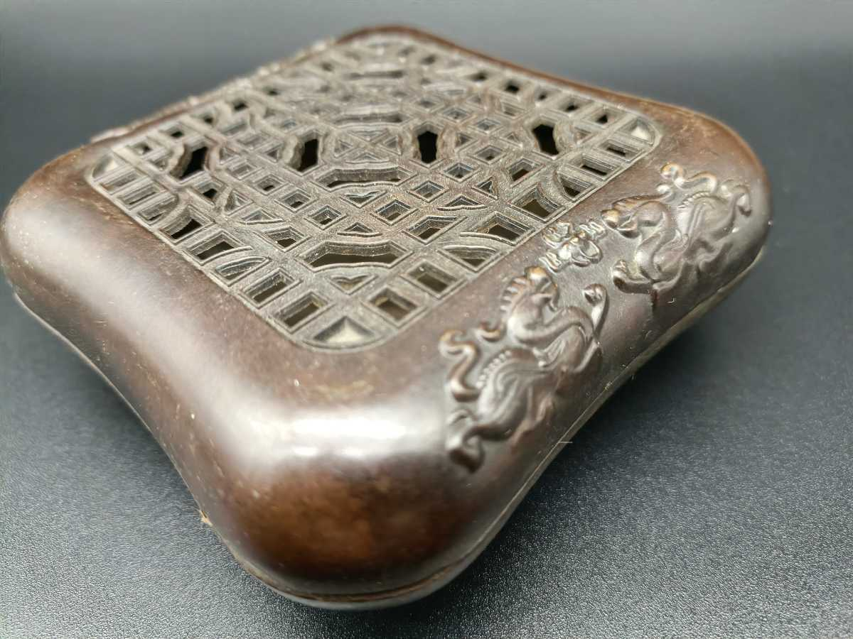 銅製置物 香炉 金工 細工 インテリア置物 獅子紋 _画像4