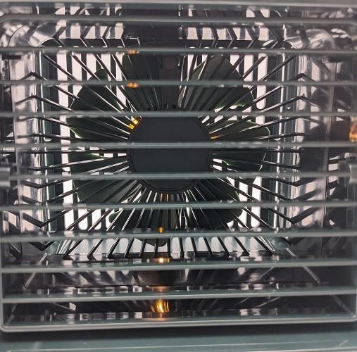 【グリーン】卓上冷風機 冷風機 残量デジタル表記 ミスト 機能 冷風扇 【新品】扇風機 小型 自動首振り USB充電式 ライト付き 3段階調整_画像9