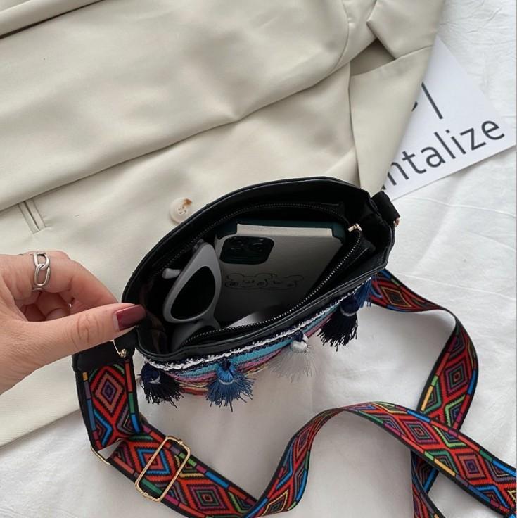 ショルダーバッグ レディース ミニ 可愛い 斜めがけ 軽量 小さめ カジュアル 旅行 肩掛け レディースバッグ 鞄 1点