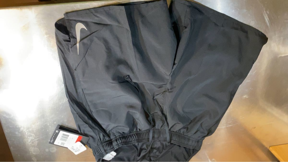 Nike 175〜185cm ランニングショートパンツ (インナー付き)  チャレンジャー Lサイズ AJ7688-010