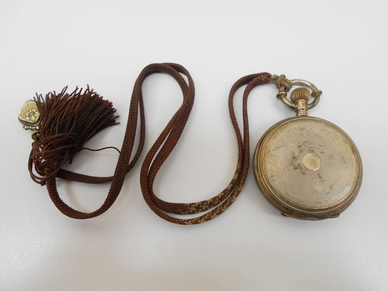 雑貨 ジョホール JOHORE 0.800刻印有 銀製ケース 手巻 懐中時計 アンティーク ジャンク 動きません