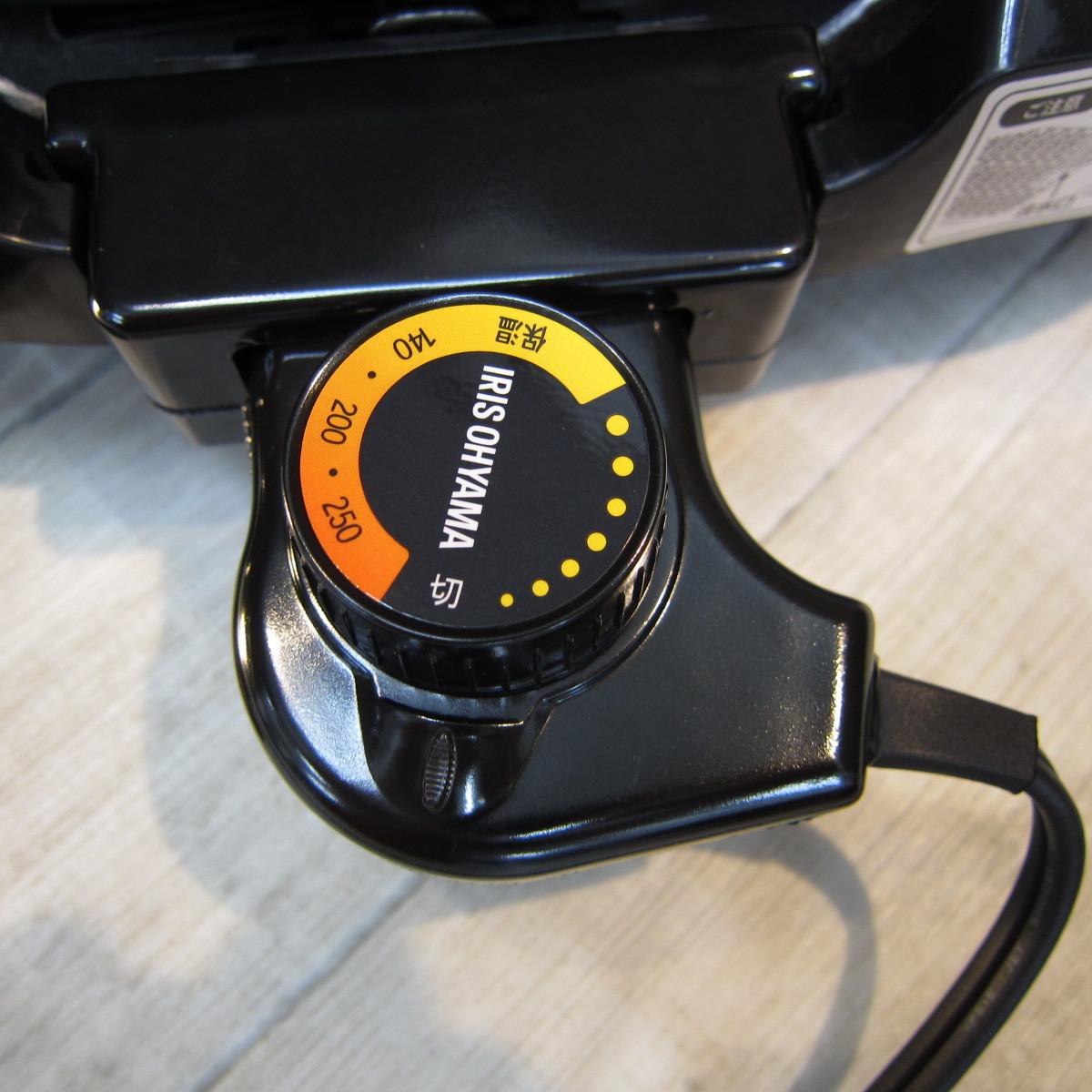 S6080【未使用】アイリスオーヤマ ホットプレート たこ焼き 焼肉 平面 プレート 3枚 網焼き 蓋付き ブラック APA-137-B_画像3
