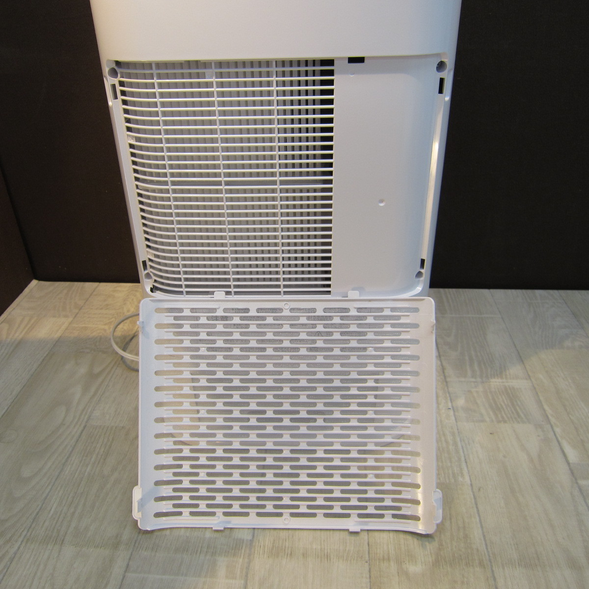 S6081【未使用】アイリスオーヤマ 衣類乾燥除湿機 スピード乾燥 サーキュレーター機能付 デシカント式 ホワイト IJD-I50_画像7