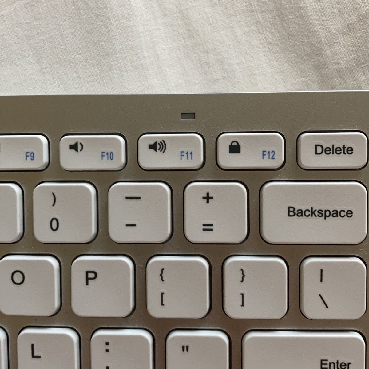 Bluetooth ワイヤレスキーボード Anker