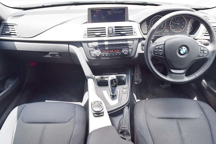 「【全車輌消毒消臭済】大人の雰囲気漂うシルバーカラー 2014y ディーゼルモデル BMW 320d 正規ディーラー車 出品中の現車確認可能」の画像3